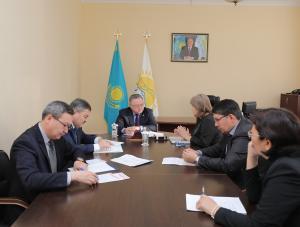 Ондасын Уразалин провел прием граждан в общественной приемной «Nur Otan»
