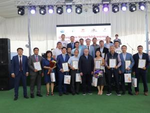 Ондасын Уразалин поздравил спортсменов с профессиональным праздником