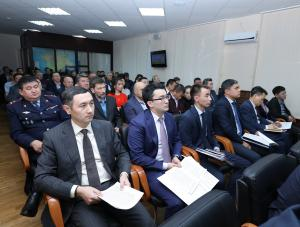 Ондасын Уразалин призвал руководителей крупных компаний не экономить на работниках