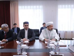 Ондасын Уразалин встретился с первым заместителем председателя ДУМК, наиб-муфтием Наурызбаем Отпеновым